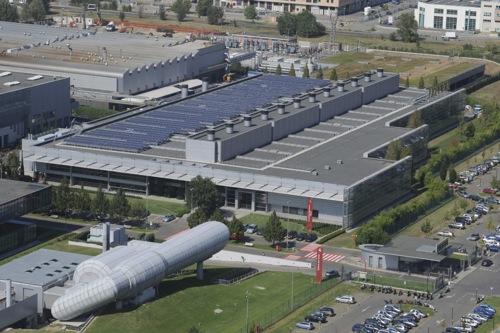 Ferrari - továrna Maranello se solárními panely