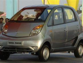 Tata Motors: nejlevnější automobil světa Tata Nano v Bombaji
