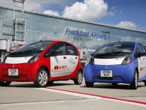 Mitsubishi - elektromobil iMiEV na letišti Frankfurt