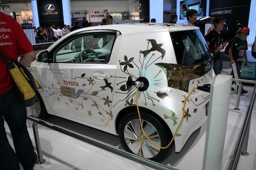 Autosalon IAA Frankfurt 2009 - Toyota iQ elektromobil