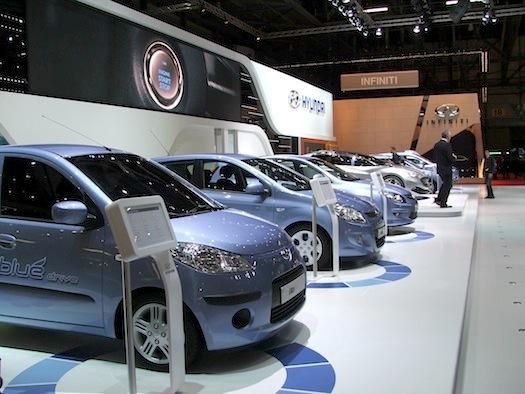 Autosalon Ženeva 2010 - Hyundai i10 i20 i30 blue