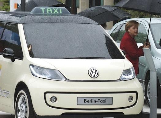 elektromobily - Angela Merkelová elektrické taxi