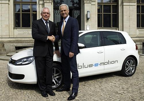 Hybrid.cz obrázky Volkswagen Golf blue e-motion