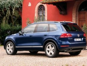 Volkswagen Touareg Hybrid v katalogu automobilů