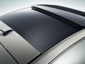 solární energie - solární střecha hybridu Toyota Prius