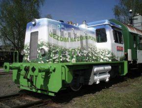 vlaky - lokomotiva 703 na zemní plyn CNG
