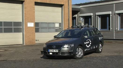 robotická inteligentní chytrá auta - volkswagen passat
