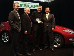 autosalon Los Angeles Chevrolet Volt zelené auto roku 2011