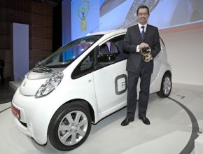 elektromobily - Peugeot iOn Německo Berlín Zelený volant