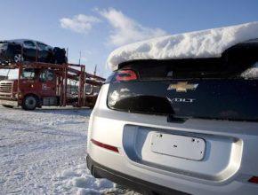 hybridní auta General Motors Chevrolet Volt plug-in vyjíždí showroom