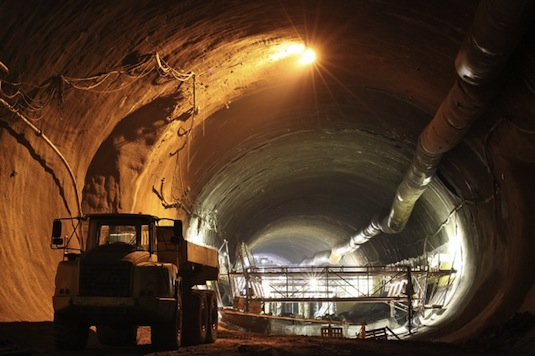 Praha ražba Tunelu Blanka
