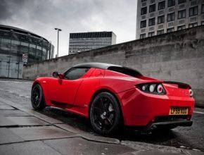 Tesla Roadster elektromobil