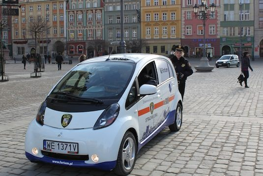 elektromobily Polsko Vratislav Mitsubishi iMiEV Fortum městská policie