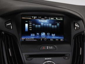 elektromobily Ford Focus Electric LCD displej dobíjení