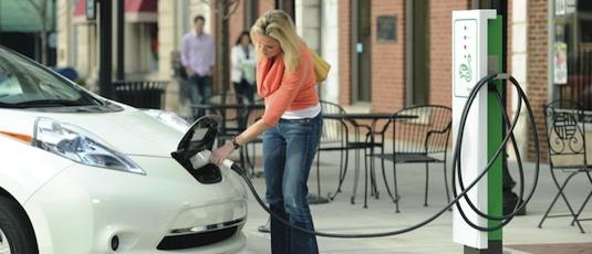 dobíjení elektromobilů Schneider Electric