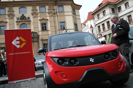 Praha elektromobilní Tazzari Zero elektromobil