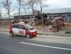 Mitsubishi i-MiEV pomáhá postiženému Japonsku