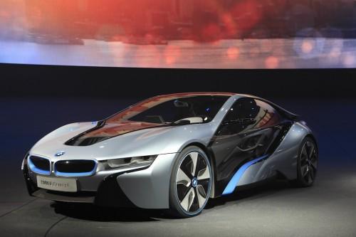auto elektromobil BMW i8 plug-in hybrid