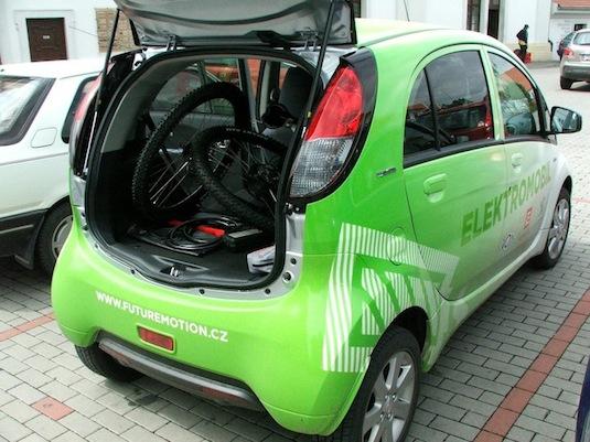 auto test elektromobilu Peugeot iOn