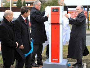 auto/elektromobil - Siemens a E.On - elektromobilita - nabíjecí stanice na letišti Brno