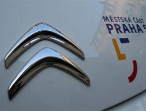 Úřad Prahy 5 převzal dva elektromobily