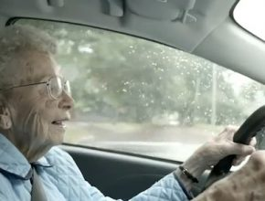 auto elektromobil Mitsubishi i video reklama Normal USA