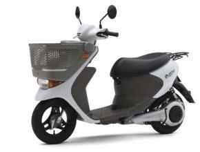 elektroskútr Suzuki e-Let's