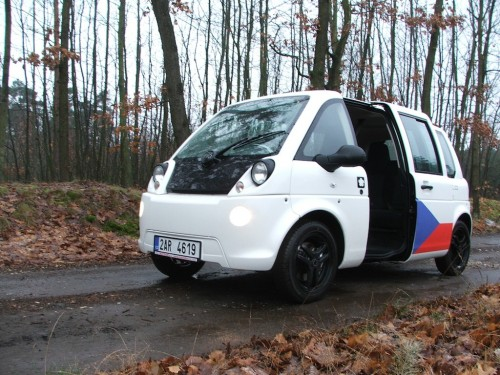 test elektromobilu Mia Electric