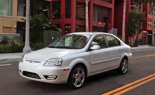 auto elektromobil Coda Sedan