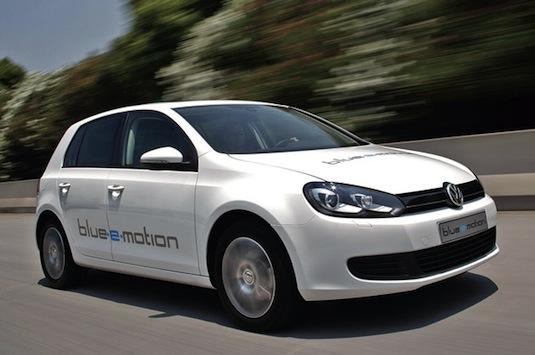 auto elektromobil Volkswagen Golf Blue-e-motion