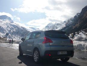 auto hybrid Peugeot 3008 Hybrid4 Švýcarsko Alpy Nice