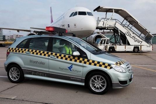 auto na vodík Daimler Mercedes-Benz B F-Cell letiště Stuttgart