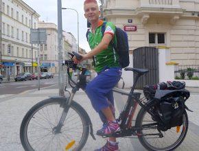 elektrokolo reportér Tomáš Poláček na elektrokole AGOGS Uphill City při cestě do Londýna na Olympiádu