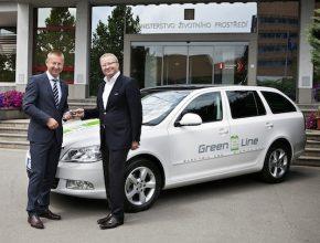 auto elektromobil Ministerstvo životního prostředí předání klíčků Škoda Octavia Green E Line