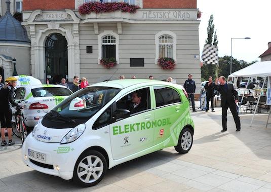 auto elektromobil Peugeot iOn elektrické auto akce Hodonín