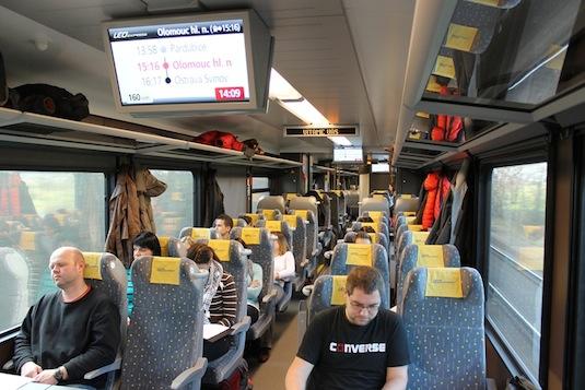 LEO Express cestující ve vlaku