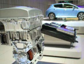 auto elektromobil Nissan Leaf dysprosium elektromotor