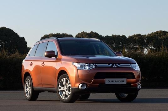 auto hybrid Mitsubishi Outlander plug-in hybrid PHEV