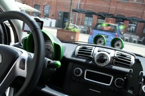 Test Smart ED - elektromobilu 3. generace - v Berlíně