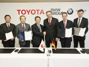 auto Toyota BMW