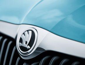 auto Škoda Fabia Roomster logo