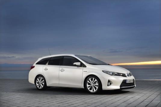 auto autosalon Ženeva hybrid Toyota Auris Touring Sports
