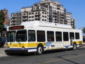 Kanadský Hamilton byl mezi prvními na světě - už před dvěma dekádami - kde zařadili do provozu autobusy na CNG. Dnes se k nim vítězoslavně vracejí.