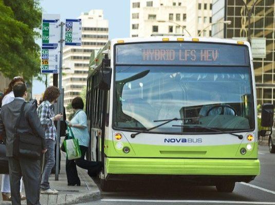 Volvo dodá 475 hybridních autobusů do Quebecu