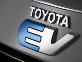 auto Toyota EV Toyota RAV4 EV elektromobil logo