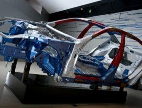 auto vysokopevnostní ocel snížení hmotnosti snížení spotřeby Nissan Motor aut