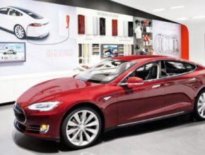 auto Tesla Store Model S v obchodu Texas