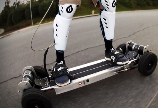 elektrický skateboard Gnarboard Joshua Tulberg