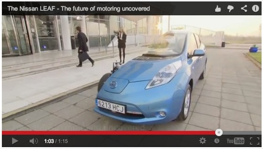 auto elektromobil Nissan Leaf vieo