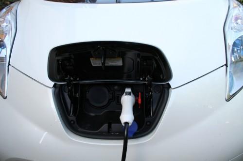 auto elektromobil Nissan Leaf druhá generace test 2013